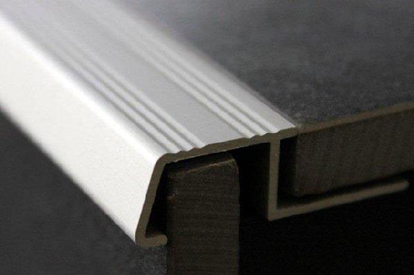 Nez De Marche Alu Anodise Chrome Mat 3m H 13mm Samse