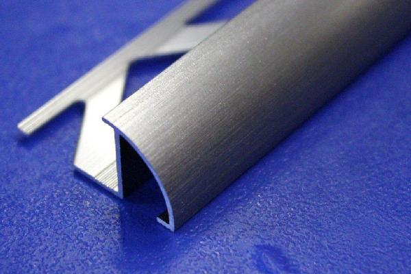 Profilé 1/4 de rond alu anodisé brossé 2,5 H.10mm