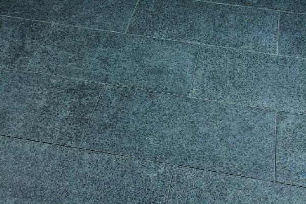 Dalle granit LONDON flammée noir anthracite 60x40cm Ep.20mm