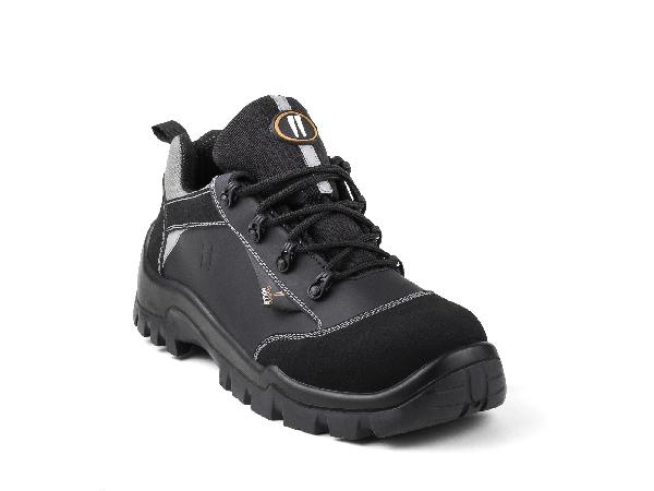 Chaussures de sécurité basses PEPPER noir S3 HI CI SRC T.43