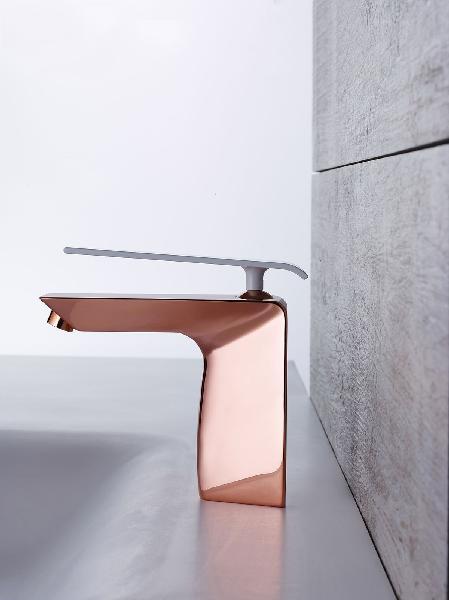 Mitigeur lavabo BOOMERANG cuivre et blanc