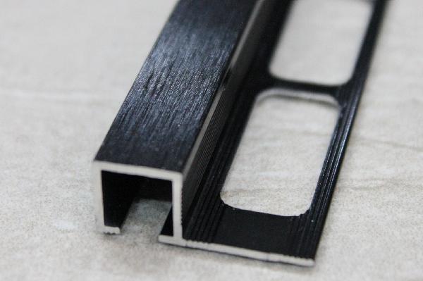 Profilé carré alu anodisé noir 2,5m H.10,5mm