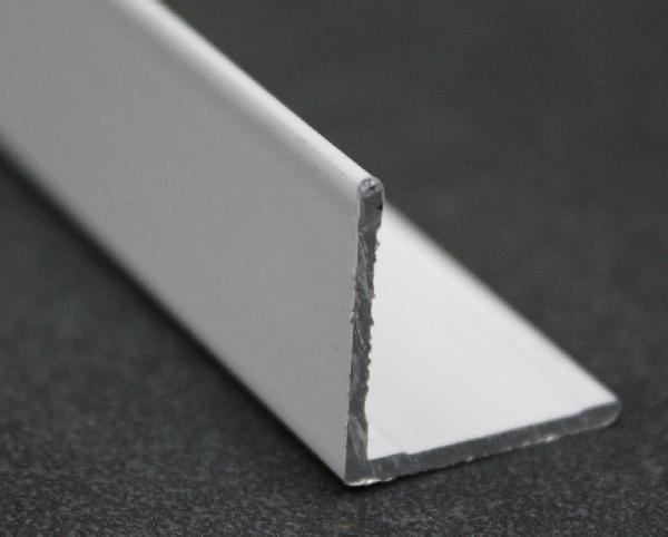 Cornière laqué blanc 30mm 2,5m