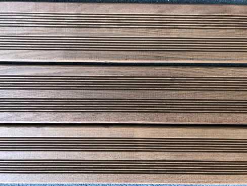 Lame terrasse frêne thermo 2 peignes 20x140mm 2,80m paquet 5