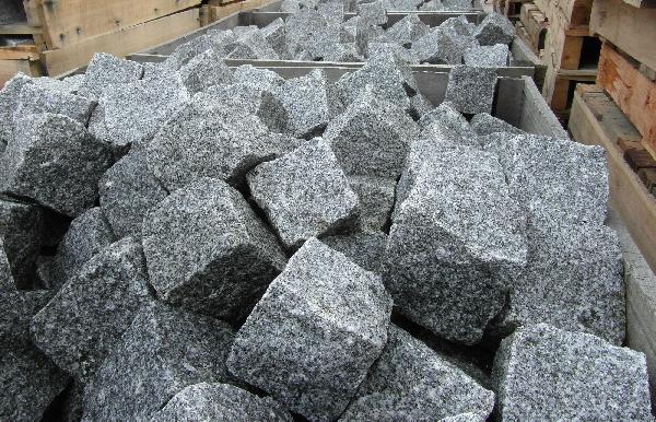 Pavé granit éclatée 9/11 Ep.9/11cm gris