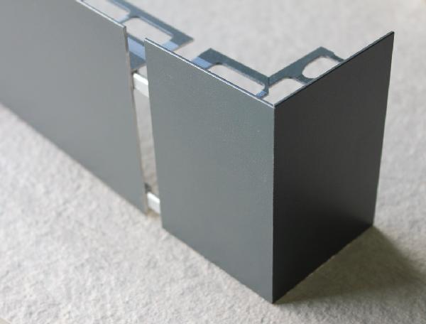 Embout externe pour profilé sablé anthracite H.82mm Ep.21mm