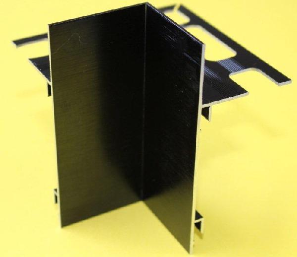 Embout interne pour profilé alu brossé noir H.102mm Ep.21mm