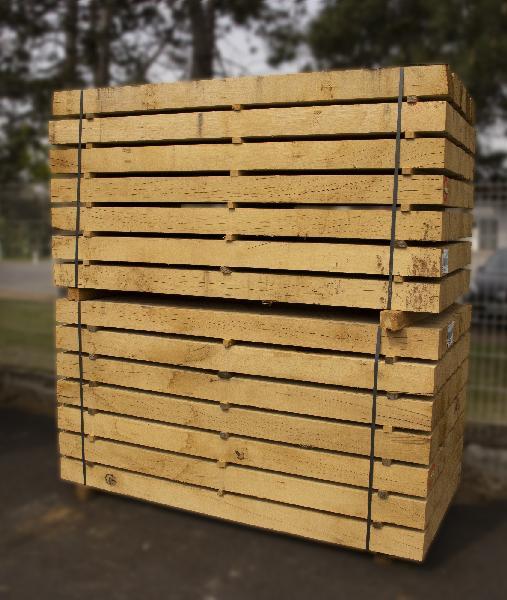 Traverse chêne non traité 4 arêtes vives 100x200mm 2,60m