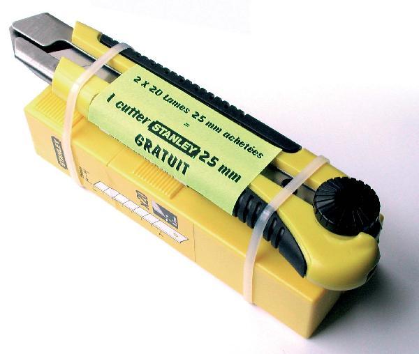 Cutter avec 40 lames 25mm lot