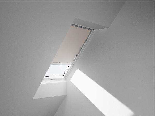 store moustiquaire pour fenetre de toit. Black Bedroom Furniture Sets. Home Design Ideas