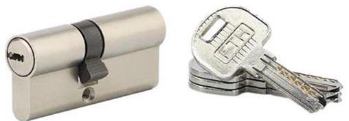 Cylindre TRAFIC 6 profil européen 6 goupilles nickelé 30 x 40 5 clés