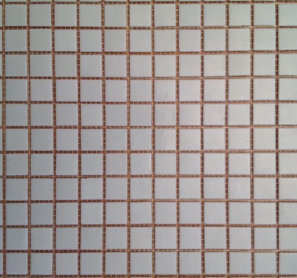 Mosaïque pâte de verre collée sur trame blanc 2x2cm