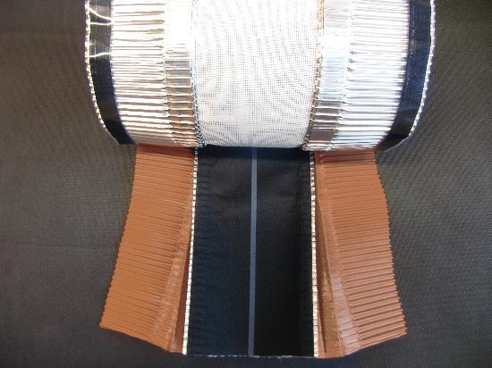 Closoir de faîtage souple ventilé DELTA EXXTENSO 310-450mmx30m rouge
