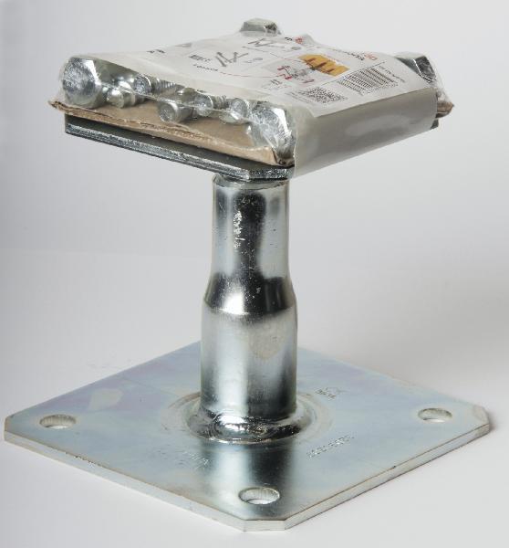 Pied de poteau réglable avec fixations APB 100 / 150 mm Ep.4 kit