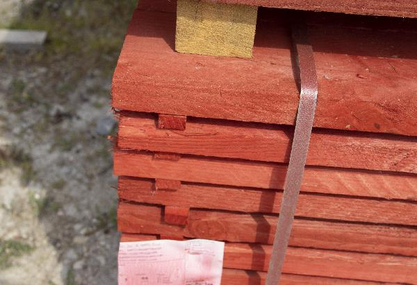 Solivette peinte rouge 32x150mm 4,00m