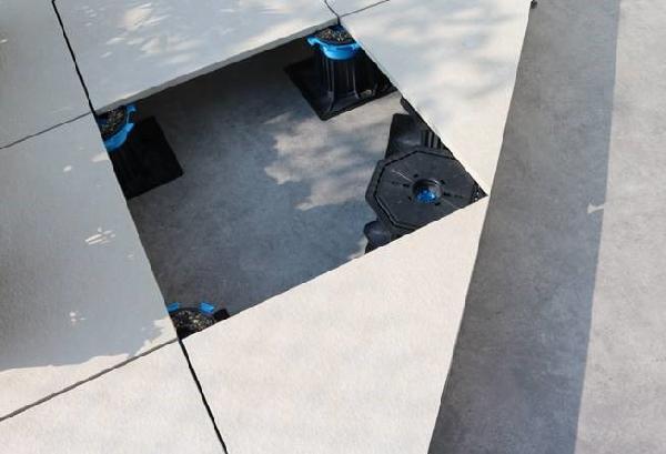 Plot autonivelant double réglage CLEMAN 55-80mm pour dalle